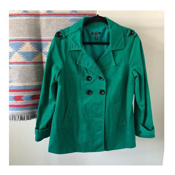 Daisy Fuentes Jackets & Blazers - EUC | Daisy Fuentes Petite Short Trench Coat